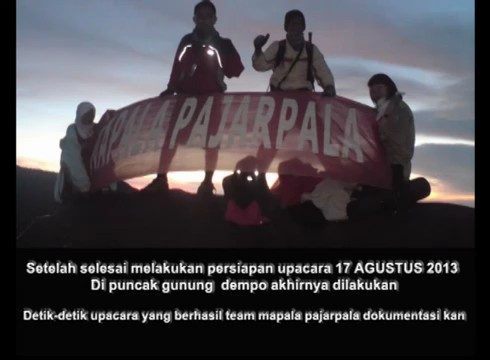 Pengibaran Bendera 17 Agustus Di Puncak Gunung Dempo by Mapala_Pajarpala thumbnail